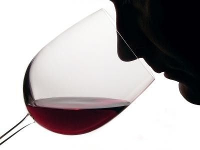Red,_wine,_tasting,_resveratrol-400x300